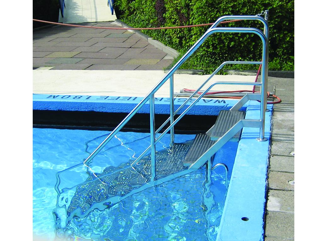 R300 2 Schwimmbadtreppe l
