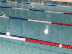 Lignes de nage, lignes de séparation et douilles de sol