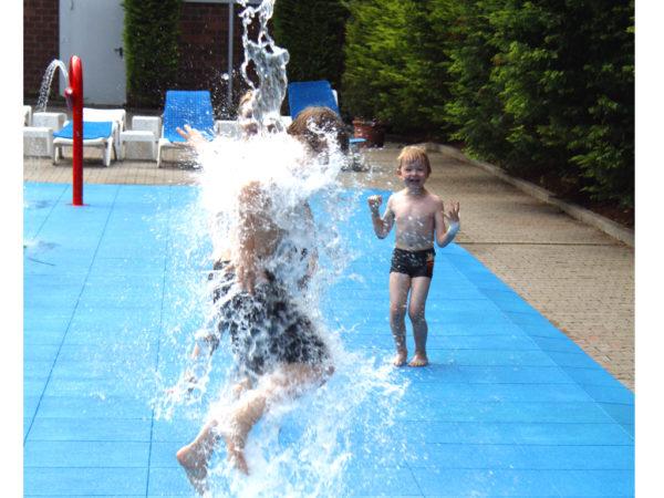 Wasserblume Bluetenwasserrad Kippbluete 4241 ret I