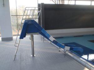 Schwimmbad Rutsche